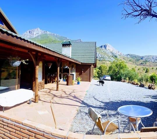 3 sovrum Villa till salu i Ardales med pool - 399 000 € (Ref: 4075328)