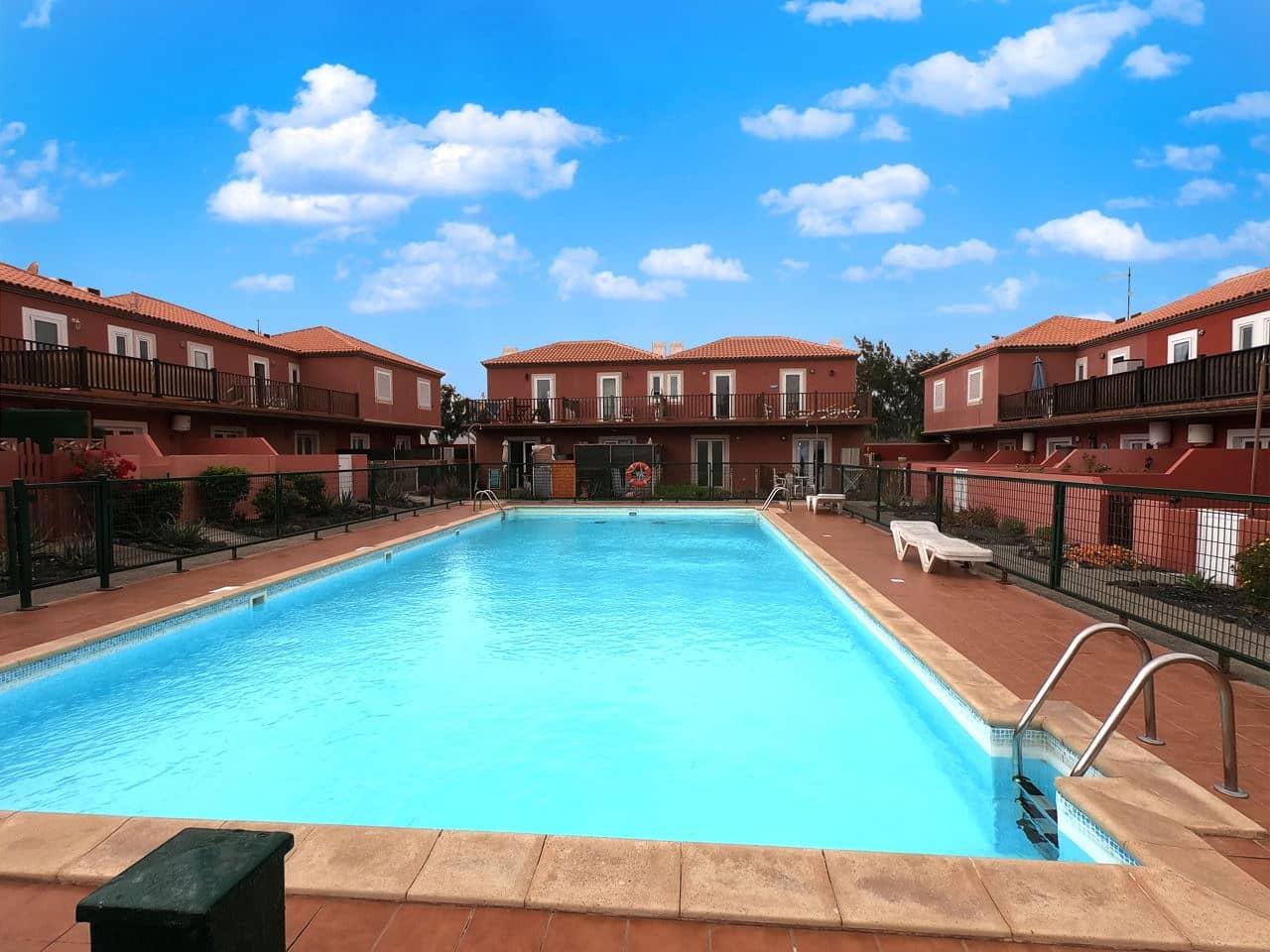 2 soveværelse Byhus til salg i Costa de Antigua med swimmingpool - € 100.000 (Ref: 5311557)
