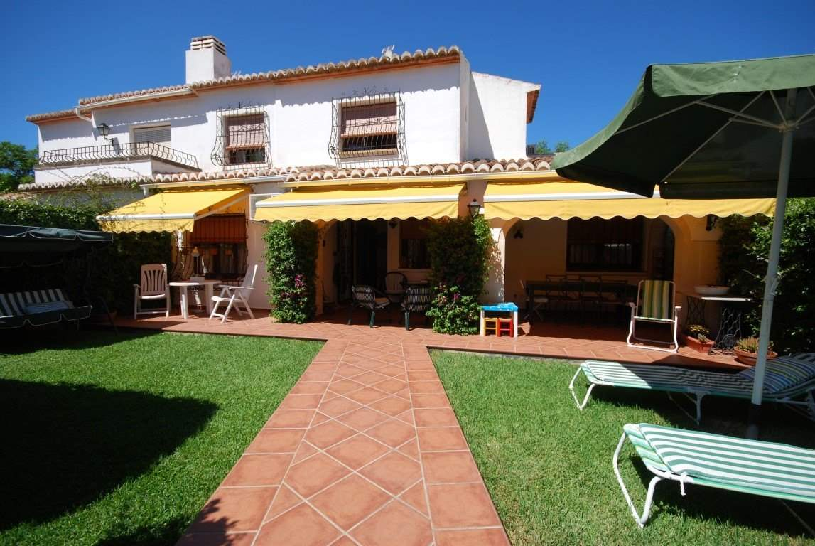 4 bedroom Terraced Villa for rent in Javea / Xabia with pool garage - € 790 (Ref: 3087181)