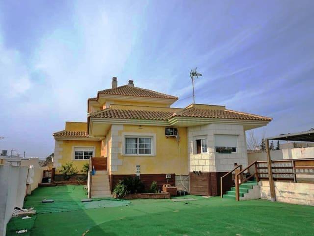 4 makuuhuone Huvila myytävänä paikassa Roche - 250 000 € (Ref: 5239538)