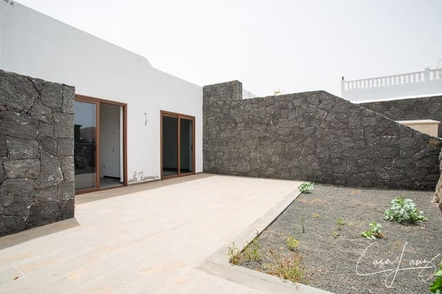 3 bedroom Villa for sale in Uga - € 230,000 (Ref: 4703159)
