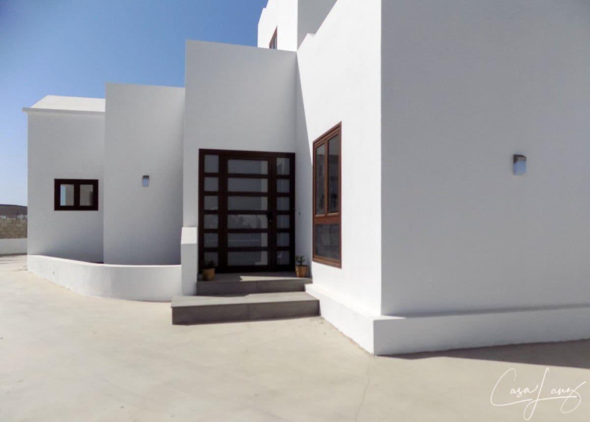 4 bedroom Villa for sale in Uga - € 430,000 (Ref: 4703218)