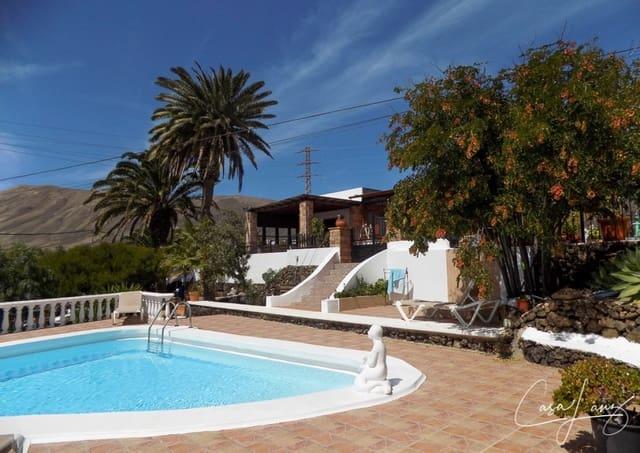 5 bedroom Villa for sale in Macher with pool - € 530,000 (Ref: 4703265)