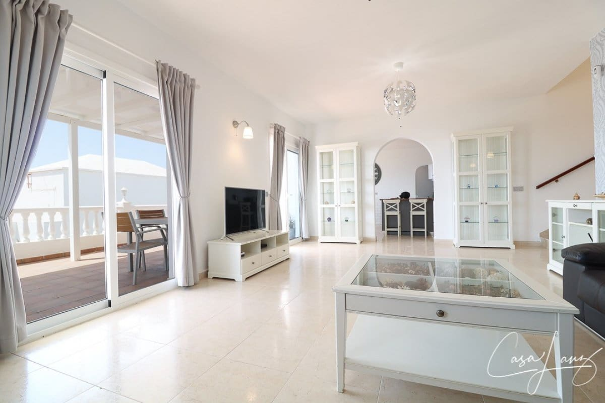 4 bedroom Villa for sale in Guime with pool - € 370,000 (Ref: 5451875)