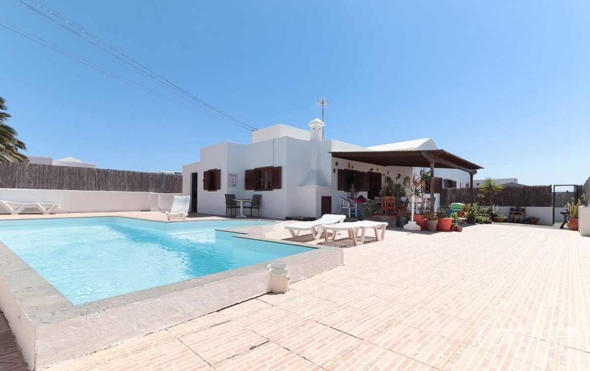 4 bedroom Villa for sale in Tias with pool - € 329,000 (Ref: 5493550)