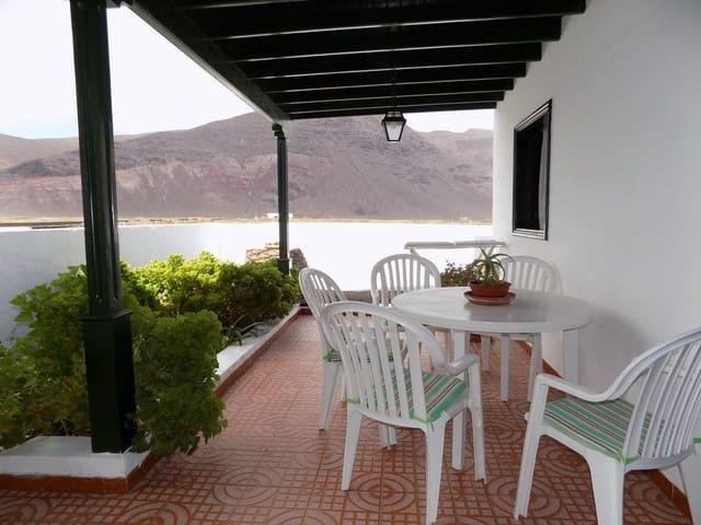Chalet de 3 habitaciones en Orzola en venta con garaje - 249.000 € (Ref: 5496329)