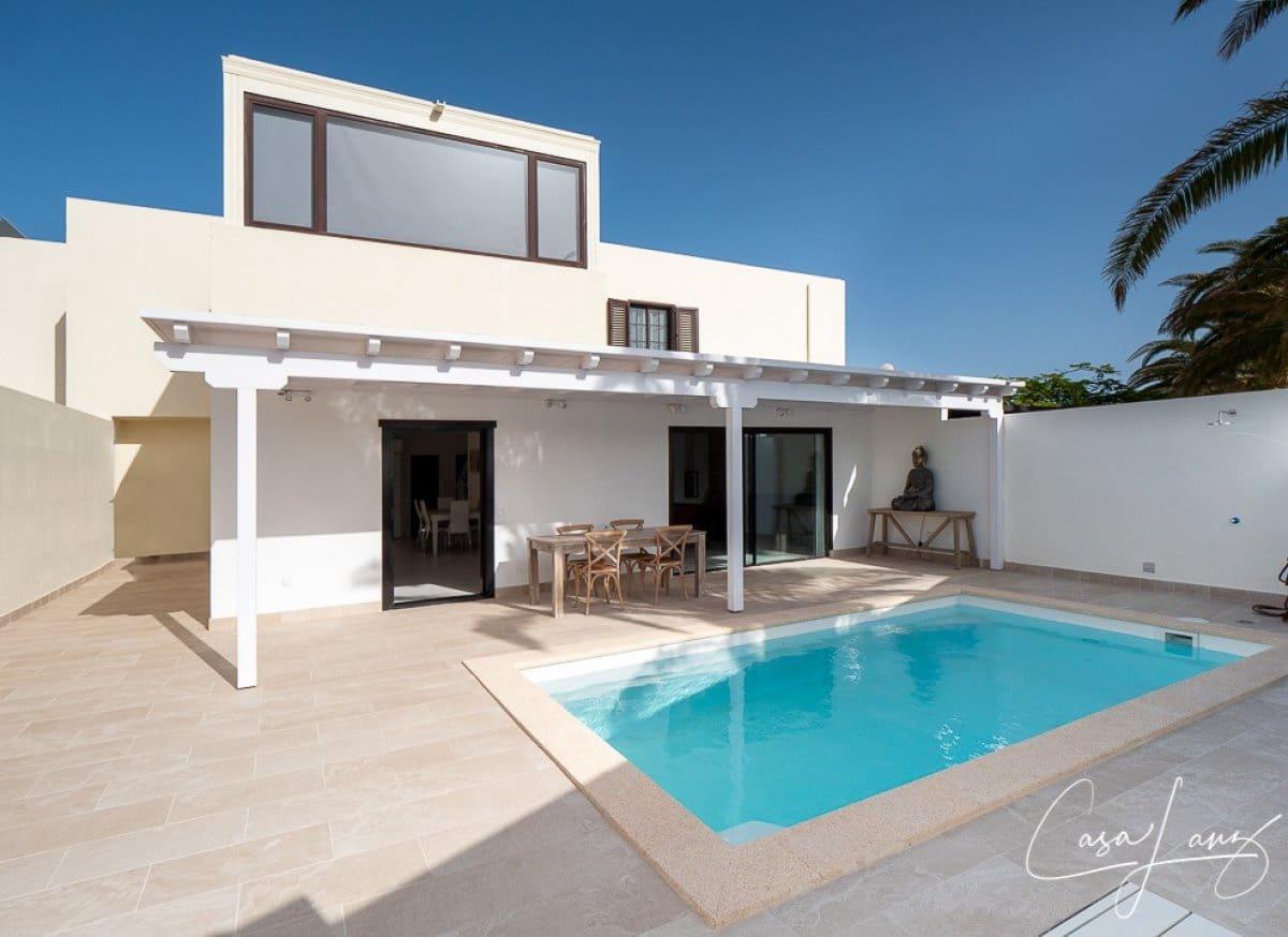 4 bedroom Villa for sale in Costa Teguise - € 365,000 (Ref: 5561225)