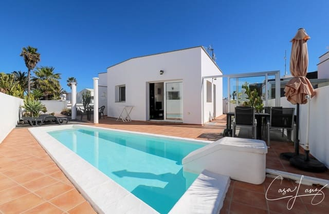 2 bedroom Villa for sale in Charco del Palo with pool - € 285,000 (Ref: 6161107)