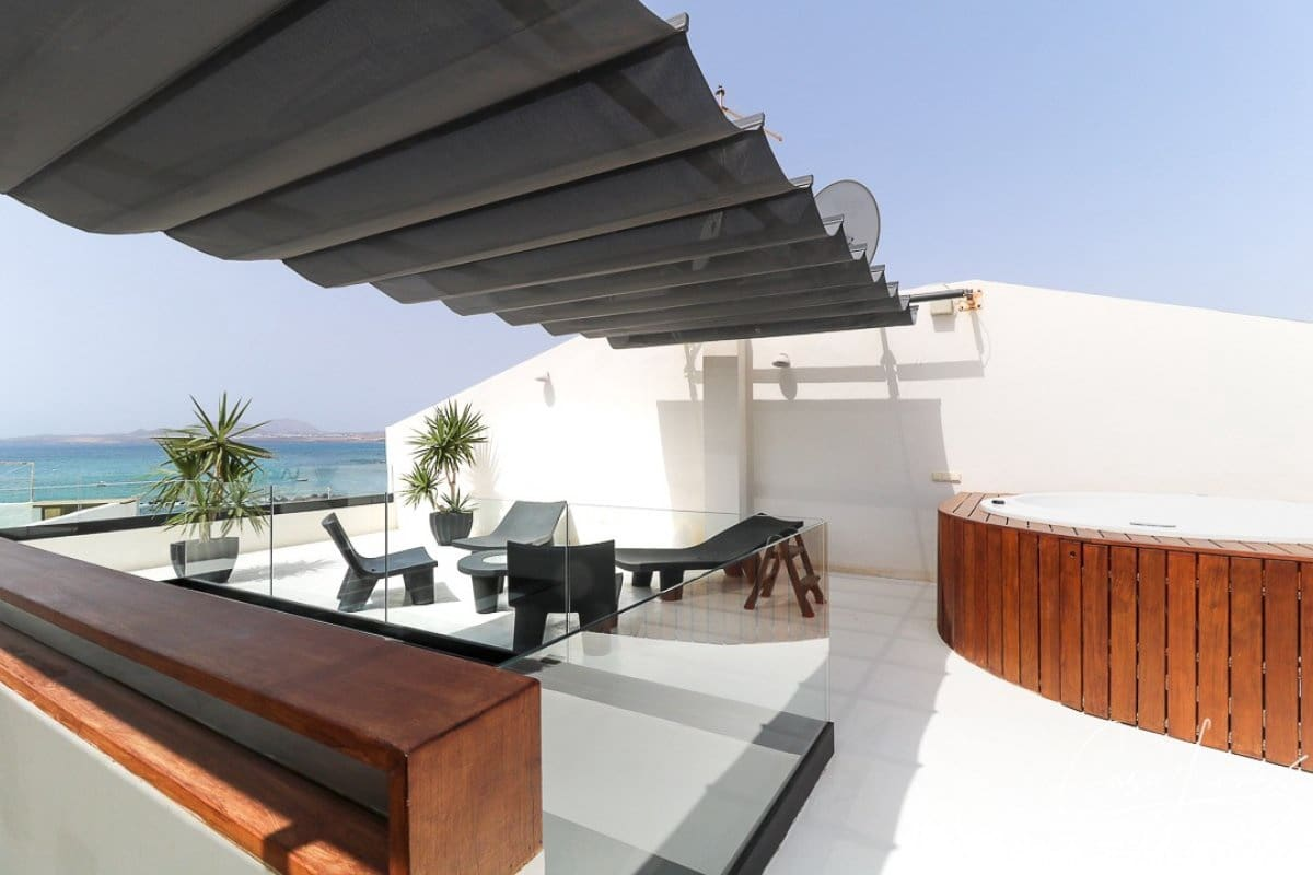 2 bedroom Villa for sale in Punta Mujeres - € 498,000 (Ref: 6161123)