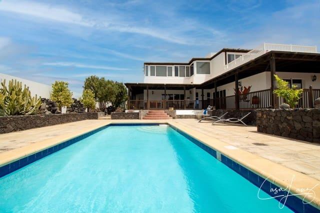6 Zimmer Villa zu verkaufen in Costa Teguise mit Pool - 500.000 € (Ref: 6161180)
