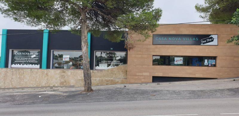 Bedrijf te huur in Javea / Xabia met zwembad garage - € 2.000 (Ref: 4295507)