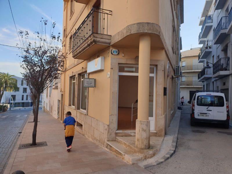 Bedrijf te huur in Javea / Xabia - € 700 (Ref: 5283194)