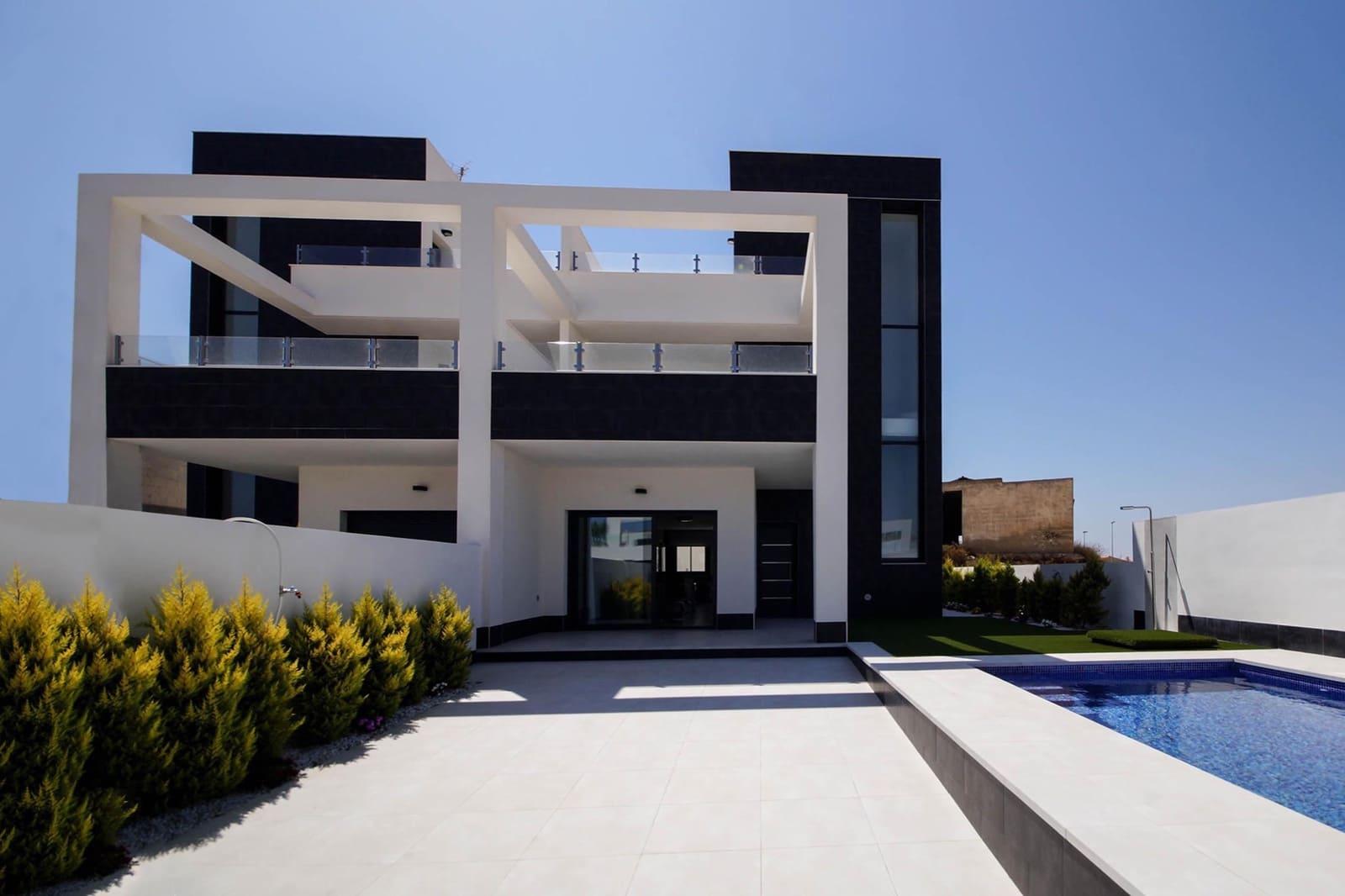 Pareado de 3 habitaciones en Benijófar en venta con piscina - 262.000 € (Ref: 4710867)