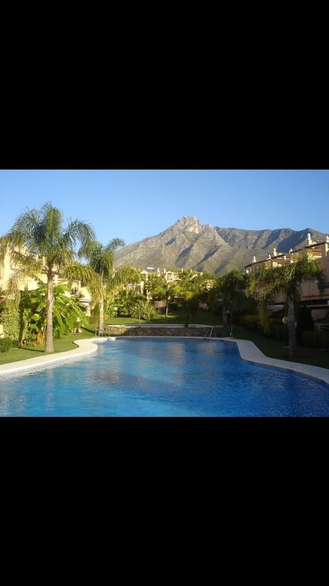 4 bedroom Semi-detached Villa for sale in Marbella with pool garage - € 550,000 (Ref: 4980520)