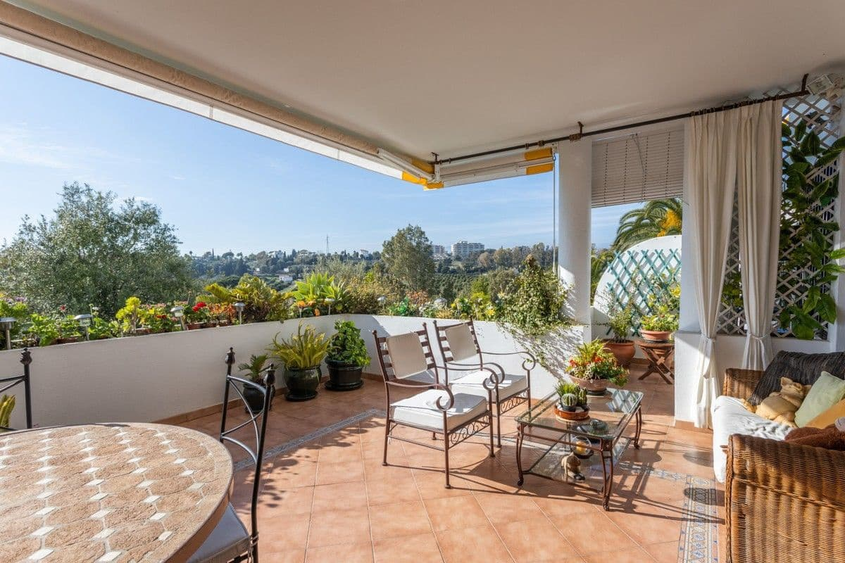 3 bedroom Apartment for sale in Marbella with pool - € 465,000 (Ref: 5037930)
