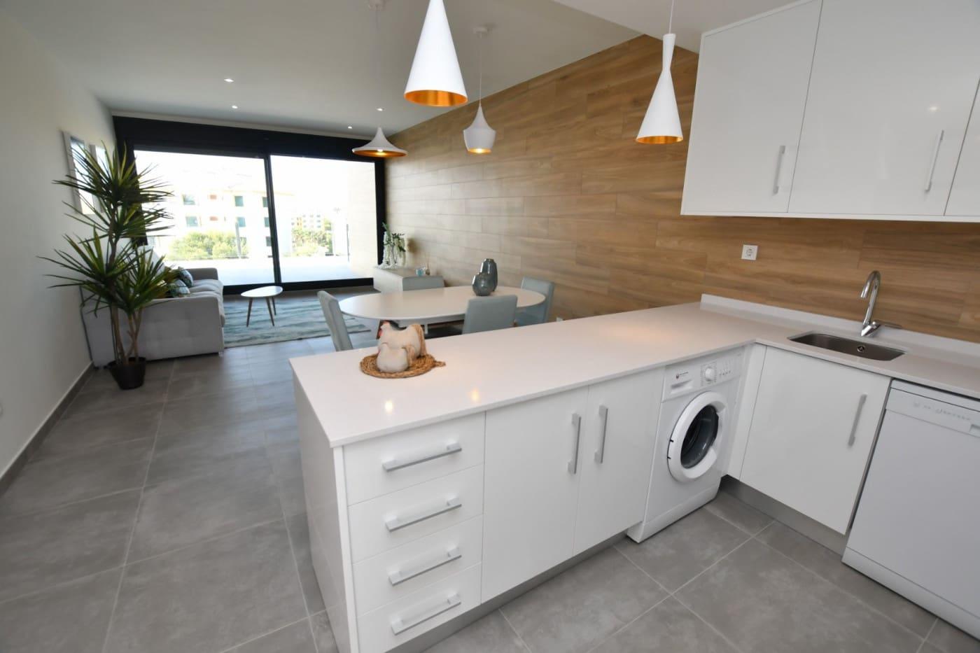 2 soveværelse Lejlighed til salg i Villamartin med swimmingpool - € 245.000 (Ref: 6023221)