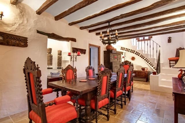 5 bedroom Villa for sale in Benissa - € 1,495,000 (Ref: 6119353)