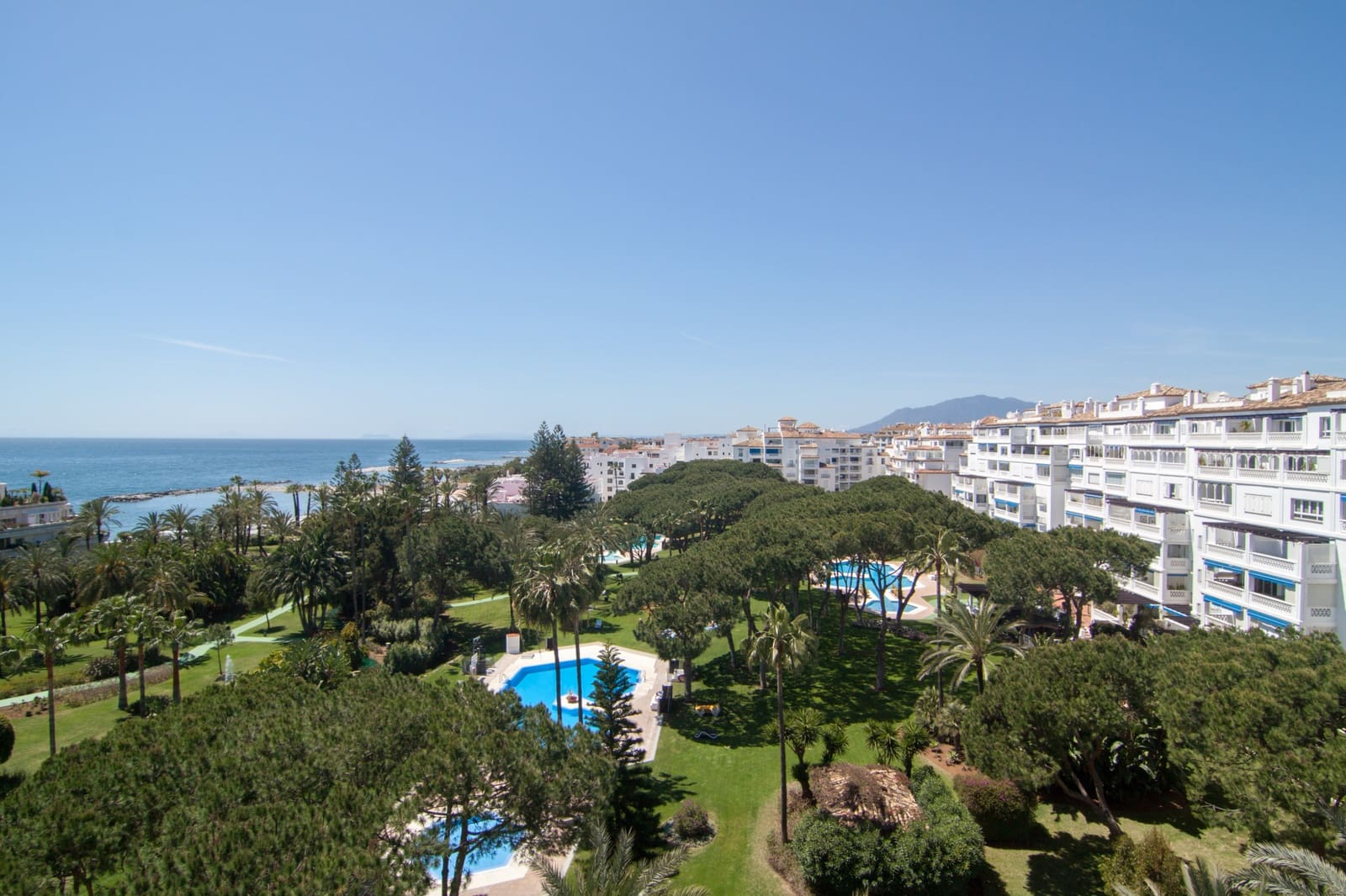 3 bedroom Apartment for sale in Marbella with pool - € 799,000 (Ref: 4393962)