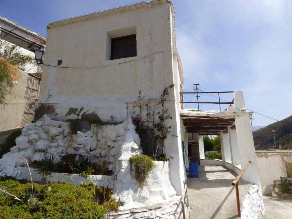 Chalet de 2 habitaciones en Ugíjar en venta - 35.000 € (Ref: 4975345)