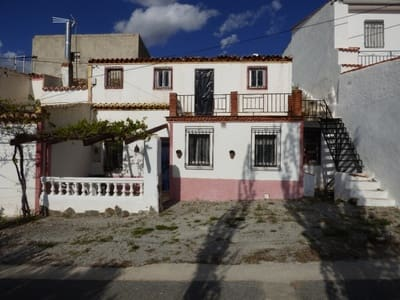 4 bedroom Townhouse for sale in Guadix with garage - € 35,000 (Ref: 4975355)