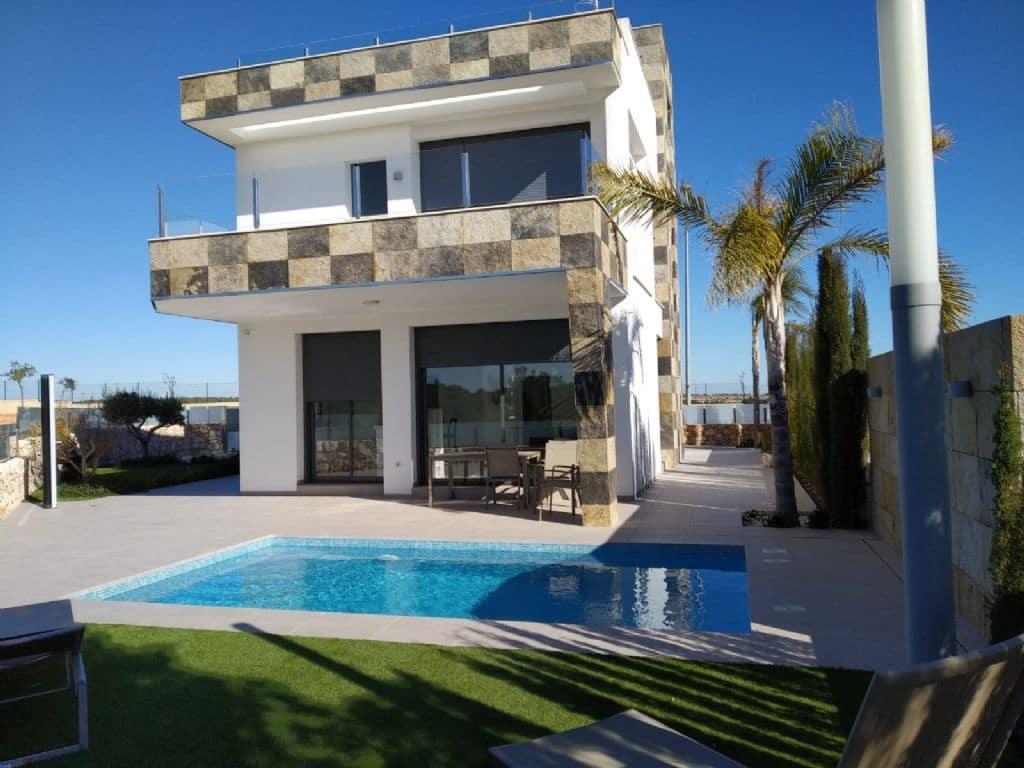 Chalet de 4 habitaciones en Pilar de la Horadada en venta - 550.000 € (Ref: 4517102)