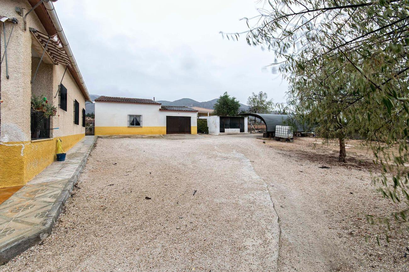 Chalet de 5 habitaciones en La Canalosa en venta con garaje - 187.000 € (Ref: 5384136)