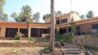 4 bedroom Villa for sale in Agullent with garage - € 475,000 (Ref: 4678461)