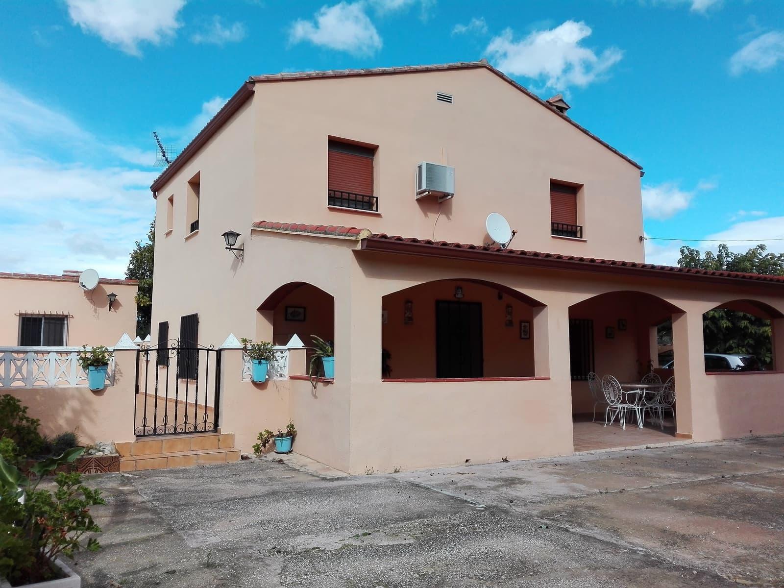4 bedroom Villa for sale in Ontinyent with garage - € 190,000 (Ref: 4678465)