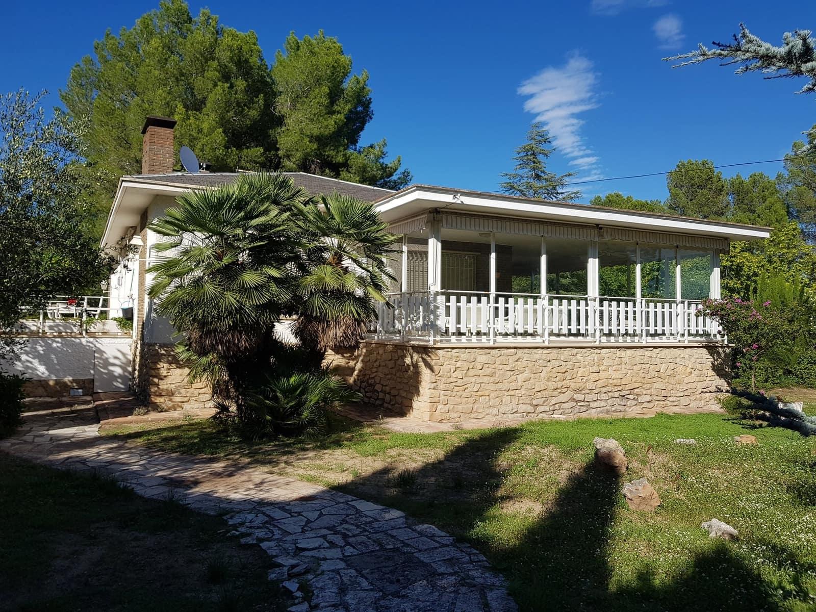 6 bedroom Villa for sale in Muro de Alcoy with garage - € 230,000 (Ref: 4793116)