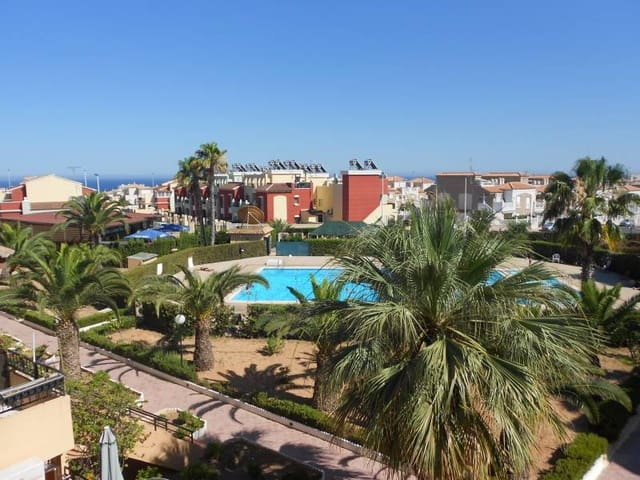 2 bedroom Bungalow for holiday rental in Torrevieja with pool - € 400 (Ref: 3111417)