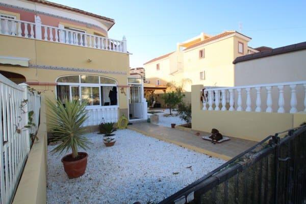 Casa de 2 habitaciones en Orihuela en venta con piscina - 121.950 € (Ref: 4921632)