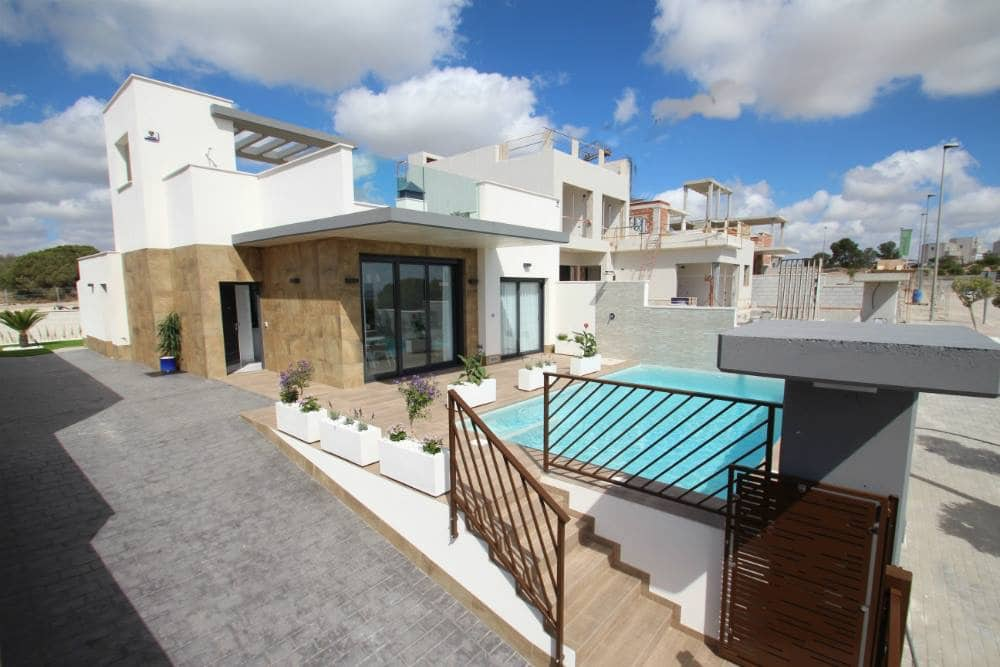 3 bedroom Villa for sale in San Miguel de Salinas with pool - € 425,000 (Ref: 4951463)