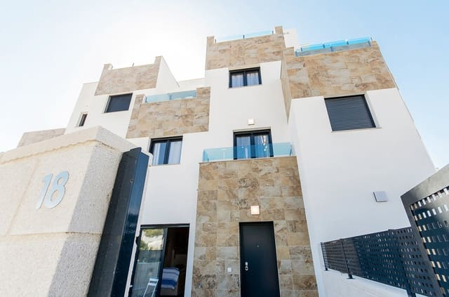 3 bedroom Townhouse for sale in Villamartin with pool - € 220,000 (Ref: 4951481)