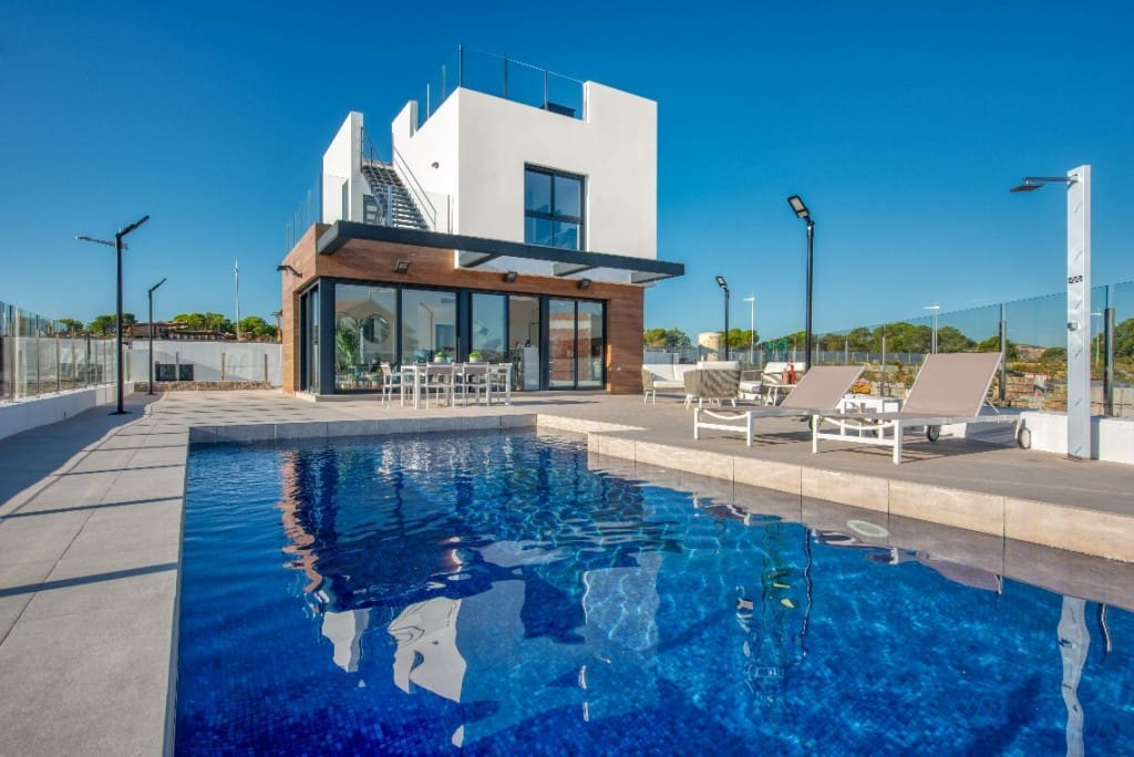 3 bedroom Villa for sale in Algorfa with pool - € 260,000 (Ref: 5166451)