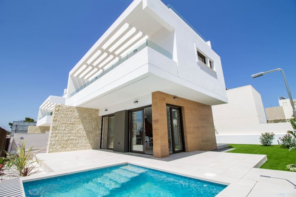 3 bedroom Villa for sale in Mil Palmeras with pool - € 415,000 (Ref: 5347268)