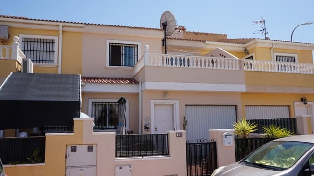 4 bedroom Townhouse for sale in Catral with garage - € 129,000 (Ref: 5468717)