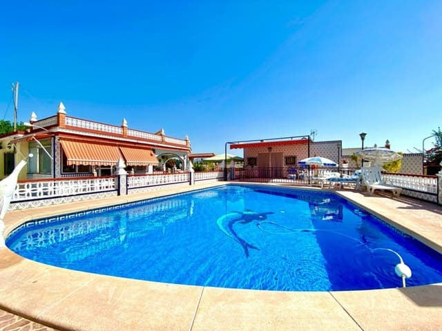 6 bedroom Villa for sale in Aspe with pool - € 259,075 (Ref: 5555367)