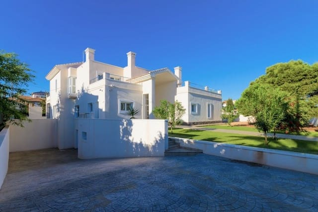 4 bedroom Villa for sale in Cabo Roig with pool - € 2,450,000 (Ref: 5620335)