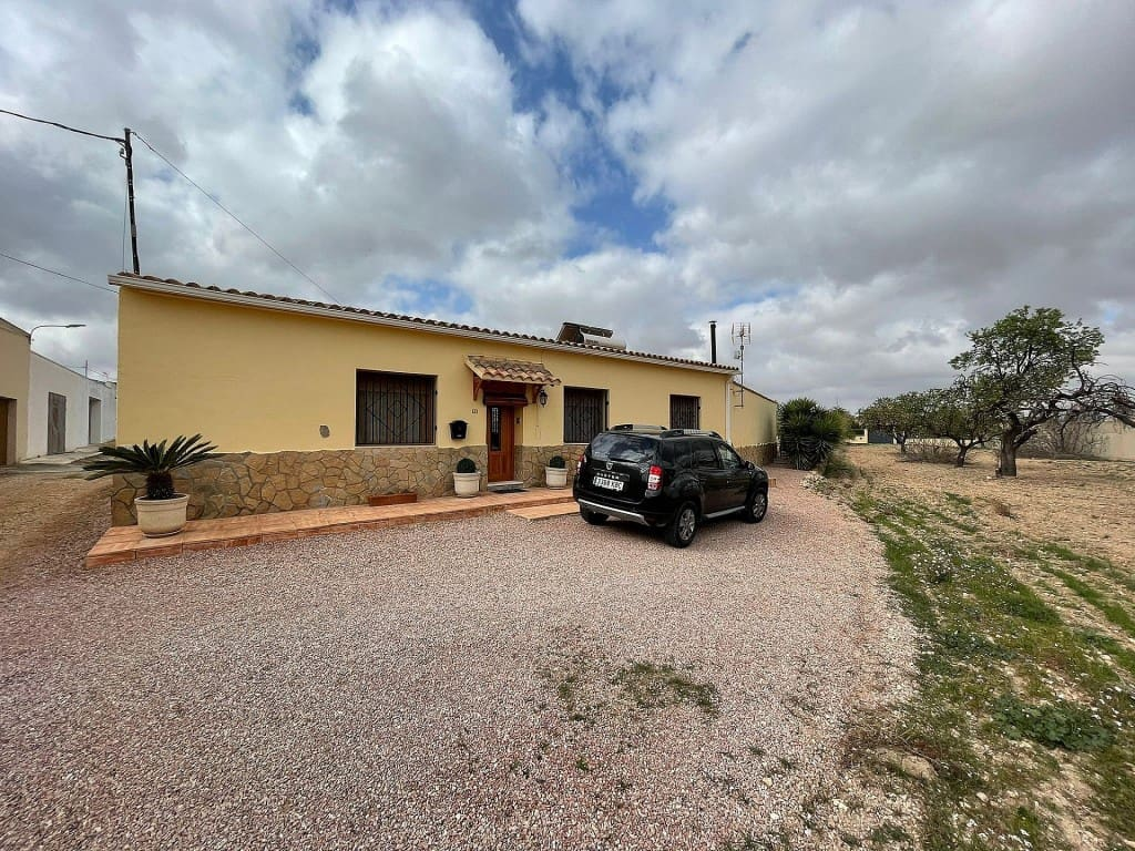 3 bedroom Villa for sale in Pinoso - € 129,995 (Ref: 6139293)