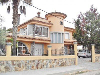 5 sovrum Villa till salu i Deltebre med pool - 600 000 € (Ref: 3167139)