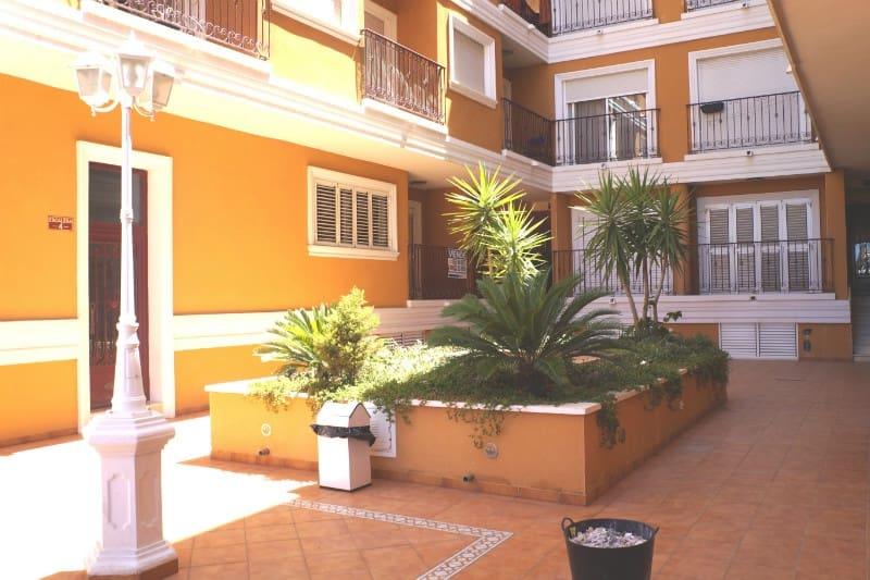 Apartamento de 2 habitaciones en Formentera del Segura en venta con piscina - 105.000 € (Ref: 4947574)