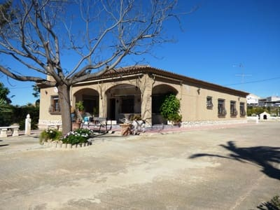 5 bedroom Finca/Country House for sale in Torrellano with pool - € 305,000 (Ref: 4947585)