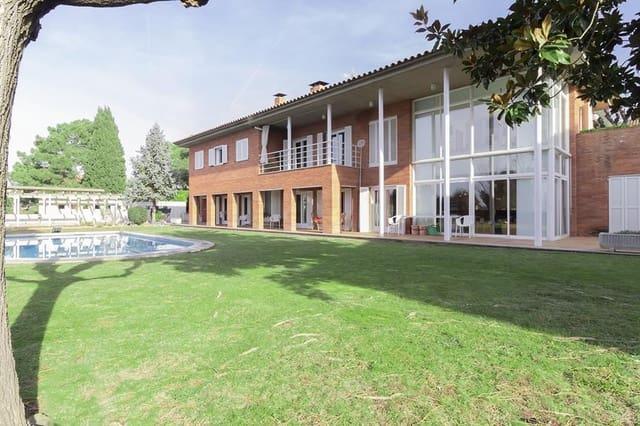4 Zimmer Villa zu verkaufen in Girona Stadt mit Pool Garage - 700.000 € (Ref: 5043815)