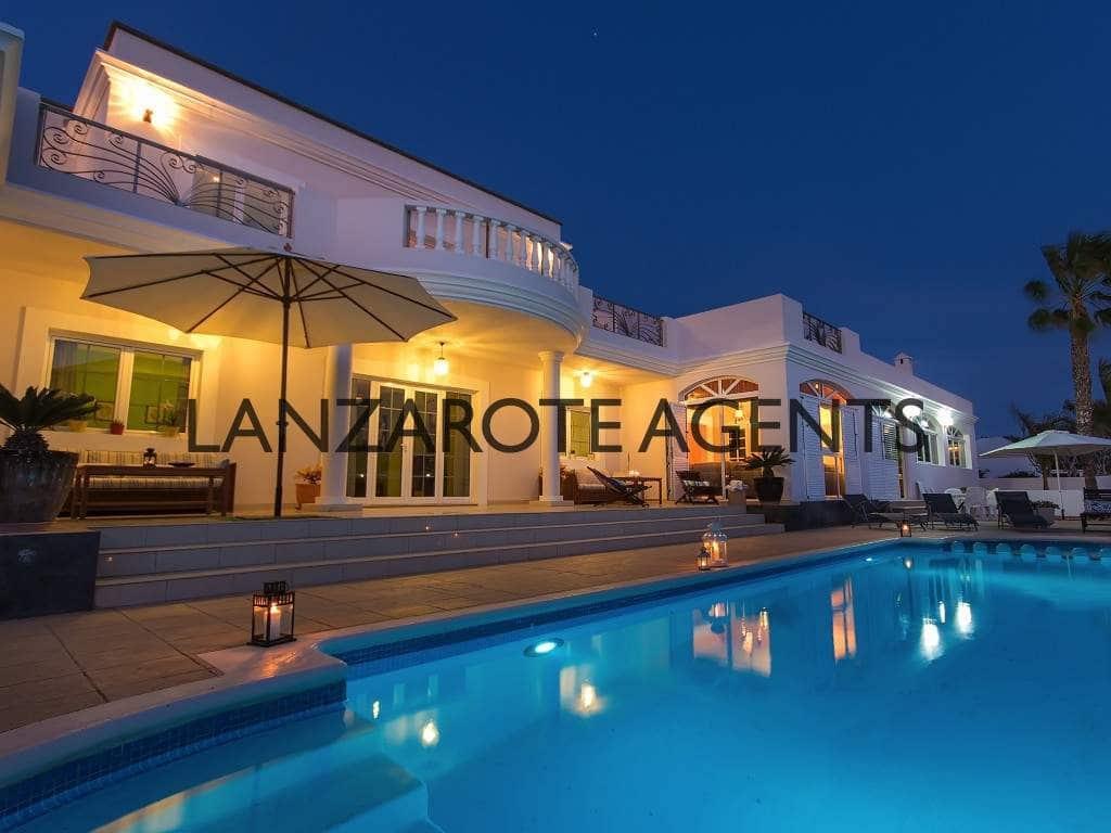 6 bedroom Villa for sale in Costa Teguise - € 895,000 (Ref: 5548609)