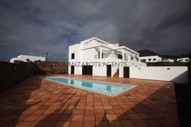 6 sypialnia Willa na sprzedaż w Las Brenas z basenem - 795 000 € (Ref: 6326797)