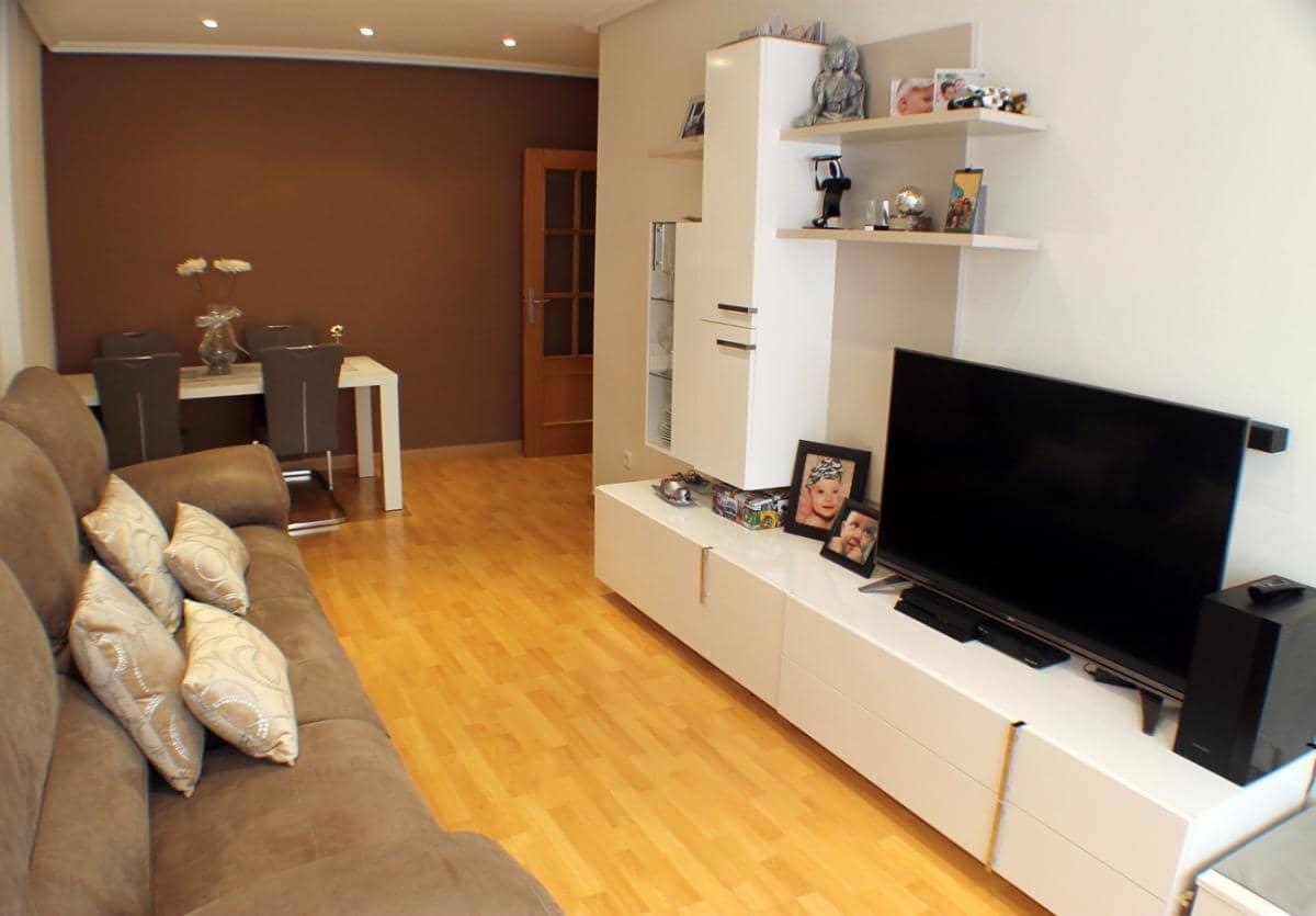 Piso de 3 habitaciones en Pilar de la Horadada en venta con piscina - 95.000 € (Ref: 4979350)