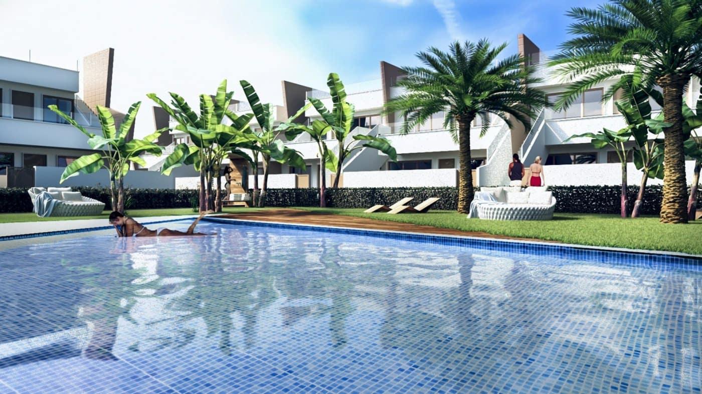 Bungalow de 2 habitaciones en Pilar de la Horadada en venta con piscina - 168.700 € (Ref: 4979372)