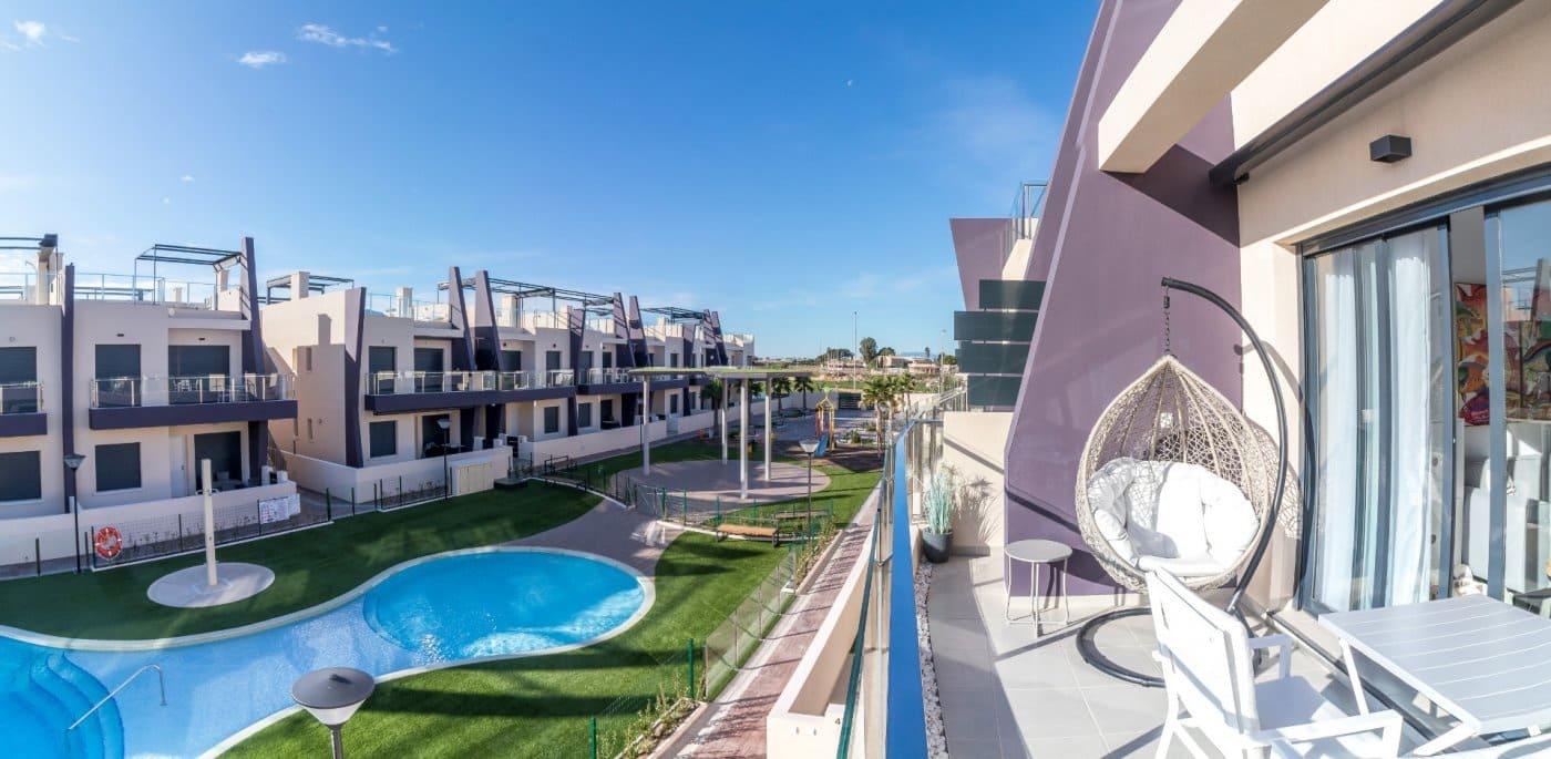 Bungalow de 2 habitaciones en Pilar de la Horadada en venta con piscina - 267.000 € (Ref: 5024506)