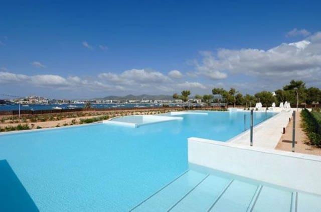 3 sypialnia Dom do wynajęcia w Santa Eulalia / Santa Eularia z basenem garażem - 8 333 € (Ref: 3327108)