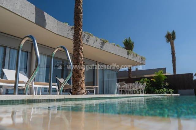 3 makuuhuone Huvila myytävänä paikassa Guia de Isora mukana uima-altaan - 1 945 000 € (Ref: 5926586)